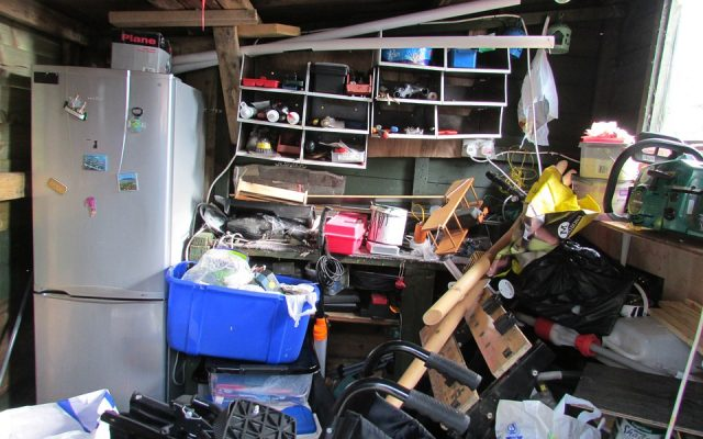 De-clutter before you move