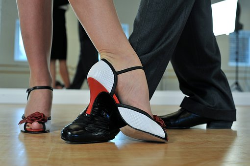 Feel good after the move, dance Argentine tango!