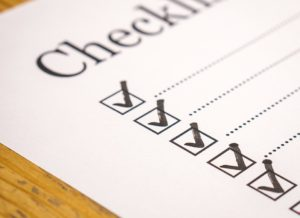 A checklist for moving from a house to an apartment.