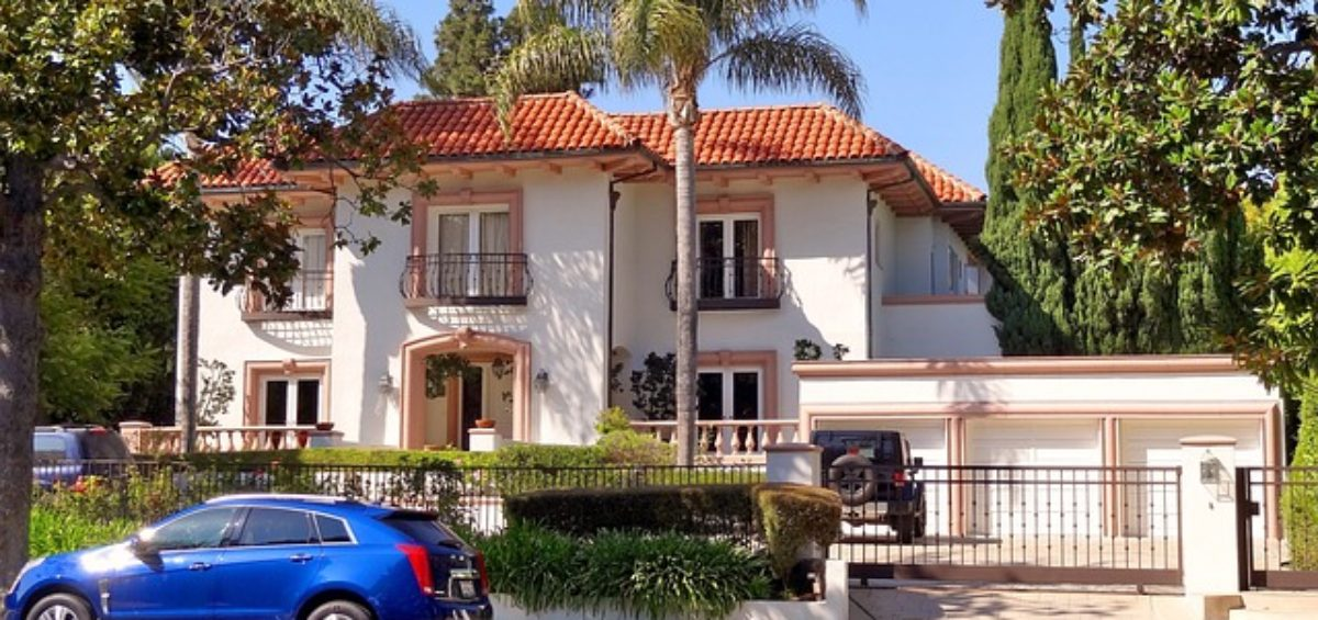 A luxury home in Beverly Hills, representing moving your Beverly Hills mansion to Florida.