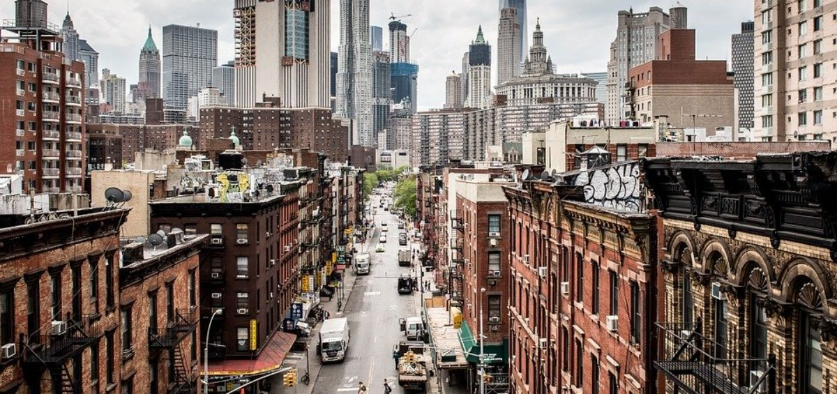view of Manhattan streets during daytime.