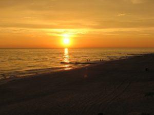 Sunset Sky Beach - Living in California