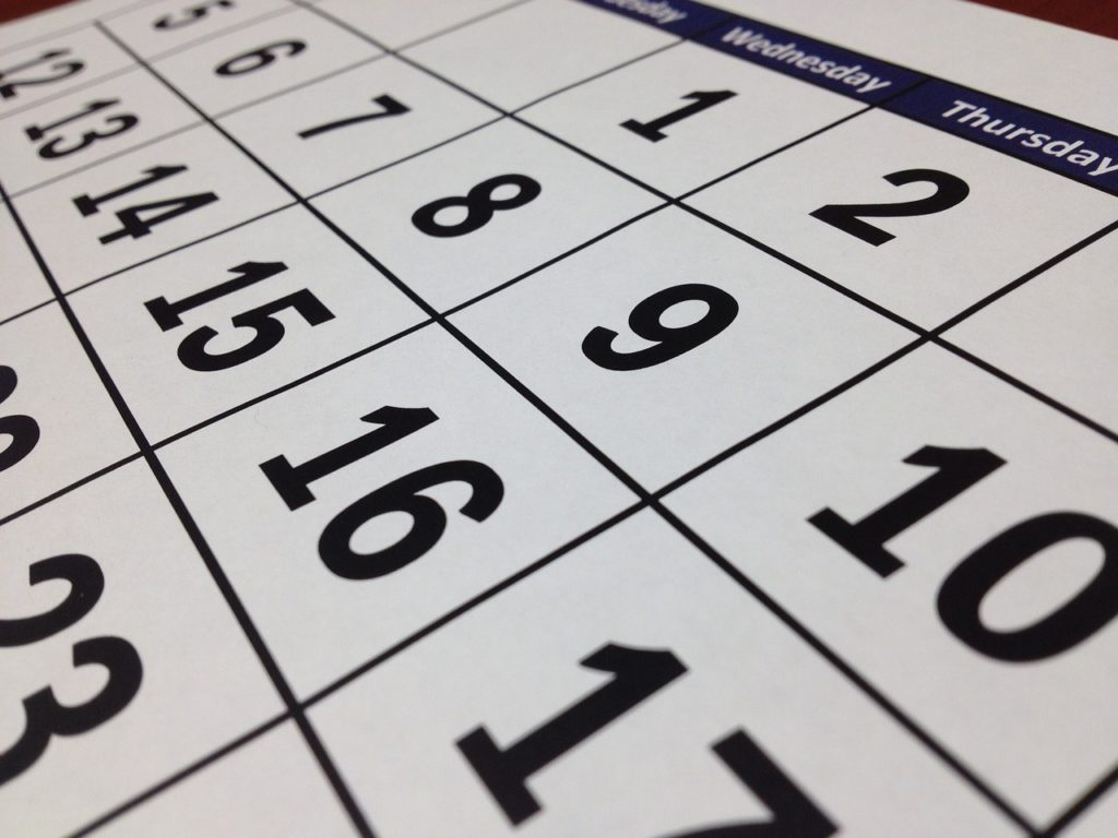 A calendar is useful for defining the exact date. In this way, you will organize your moving cross country in summer with ease.