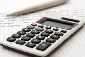 A calculator to calculate the costs when buying a house in Beverly Hills.