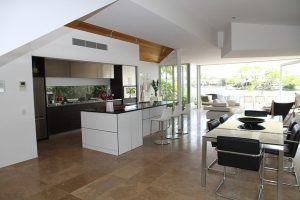One of the many modern rental properties in Beverly Hills.
