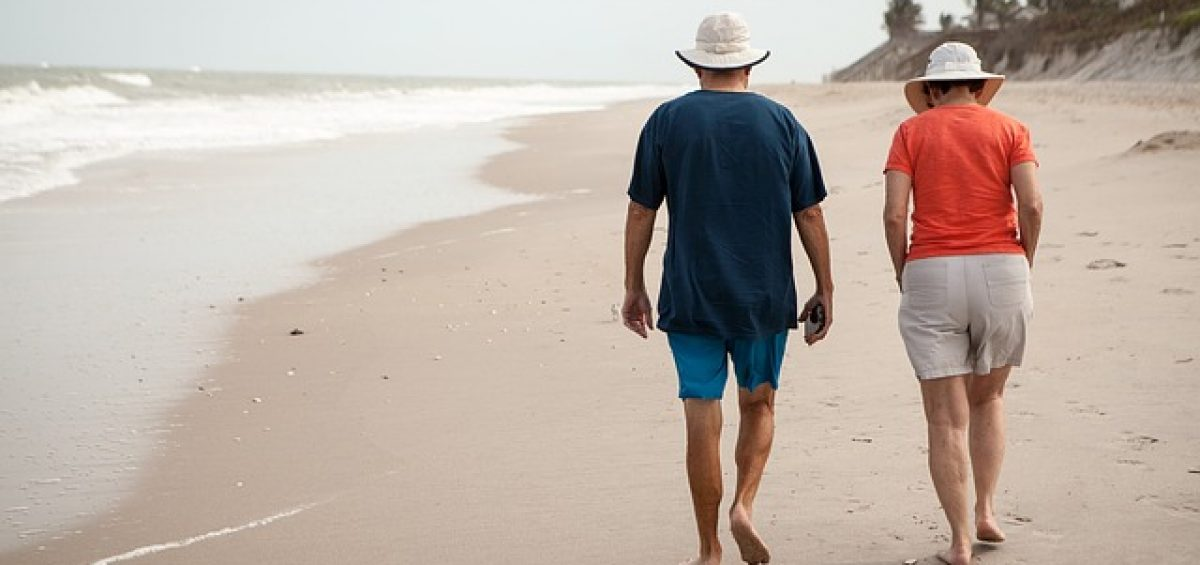 Seniors at the beach - If you are planning to perform seniors moving from Philadelphia to LA, make sure to have a guide by your side.